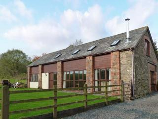 APPLE BARN, en-suites, woodburner, games room, stunning views, near North Molton, Ref. 916094 - Lynton vacation rentals