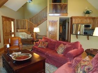 Lone Tree 12 4 Bedroom, 4 Bath Chalet - Sleeps 12! Great for Multi-Families. Pet Friendly. - Tamarack vacation rentals