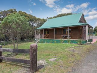 ERIC THE RED HERITAGE HOUSE - Apollo Bay vacation rentals