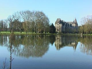 Chateau Sur le Lac holiday vacation large chateau rental france, loire valley, angers, pool, castle, short term long term chatea - Jarze vacation rentals