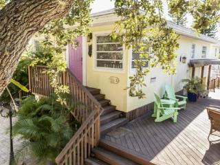 A Private Retreat with Great Outdoor Living -  Cozy Cottage - Fort Myers Beach vacation rentals