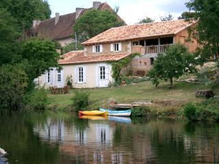 Menet - Montbron vacation rentals