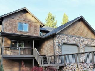 Brownie Retreat B: Walk to Snow Summit from this Beautiful Getaway - Big Bear Area vacation rentals