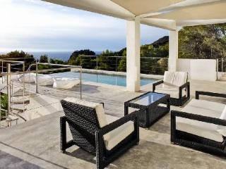 Luxurious Villa Bella View with Pools, Hot Tub, Superb Sea Views & Beach Access - Cala Gracio vacation rentals