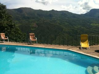 La Pinta's Country House in Chinauta. Pool and view - Chinauta vacation rentals