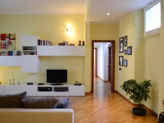 Feeling Home Downtown - Milan vacation rentals