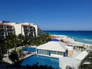 Studio with  Kichenette on the beach from 60 USD - Cancun vacation rentals