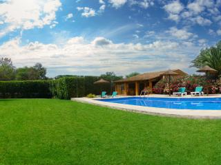 SON LLANERAS VILLA - NEXT TO ES TRENC BEACH - WIFI - Porreres vacation rentals