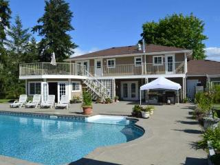 Cowichan Valley Country Home - 5 Bedroom Home with pool and hot tub - Vancouver Island vacation rentals