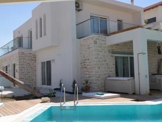 Villa Ella  Southcoast Crete, large Pool, Jaccuzzi - Pitsidia vacation rentals