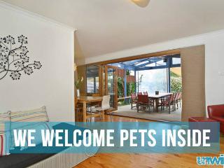 Unwind @ Pet Let 02 Tropical Dream - Pet Friendly - Goolwa vacation rentals