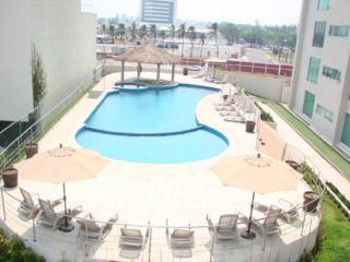 Boca Del Rio Towers Condo with pool! - Playa Chachalacas vacation rentals