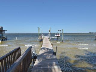 WATERFRONT Panoramic, Sunsets, Fishing, Furnished - Sun City Center vacation rentals