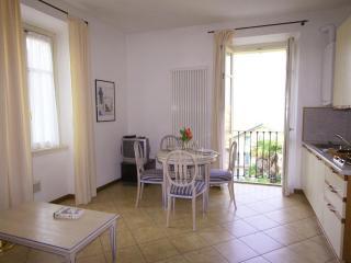 NICOLIN APARTMENT - Cremia vacation rentals