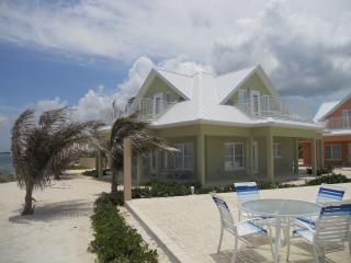 Affordable Luxury 3bed/3bath Vacation Home (# 4) - North Side vacation rentals
