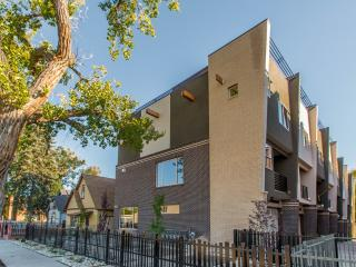 LUXURY TOWNHOME IN THE HEARTH OF DENVER - Denver vacation rentals