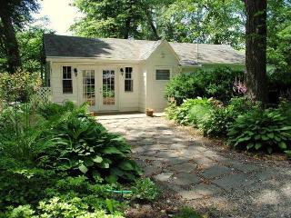 Waterfront pet-friendly vacation  Chez Rive Gauche - Saugerties vacation rentals