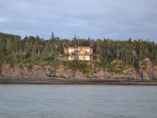 Villa GRANDBLEU KAMOURASKA - Saint-Irenee vacation rentals