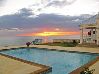 4 bedroom cottage w/pool in Whitehouse, Jamaica - Whitehouse vacation rentals