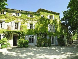 Bastide De La Tour - Montjustin vacation rentals