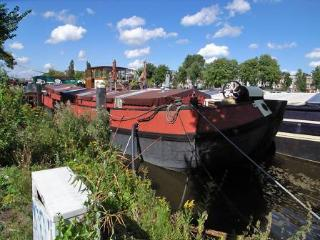 Luxurious houseboat on the river Amstel - Avontuur - Amsterdam vacation rentals