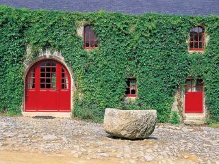 Breton Manor - Garden Wing - Plovan vacation rentals