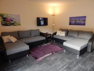 Vacation Apartment in Koblenz - 969 sqft, quiet, central, comfortable (# 4991) - Rhineland-Palatinate vacation rentals