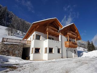 casa appartamento - San Martino in Badia vacation rentals