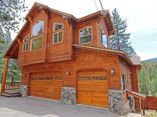 NEW Lrg Cstm Home, Luxury w Sierra Views & Hot tub - South Lake Tahoe vacation rentals