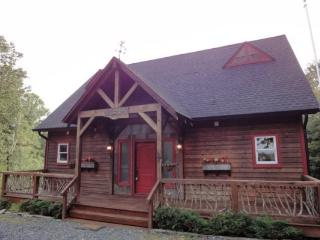 Bear Paw- Cabin with Scenic Mountain Views - Lansing vacation rentals