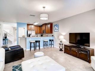 5 bedroom 3 King Master Suites, Pool, Spa, BBQ & Movie Theatre. 1038CPB - Disney vacation rentals