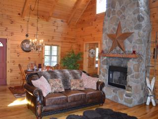 Hocking Hills Dreamscape Hideaway - Rockbridge vacation rentals