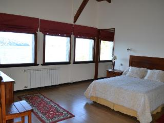 Casa con Costa de lago Lutty / Lake House coast Lutty - Province of Rio Negro vacation rentals