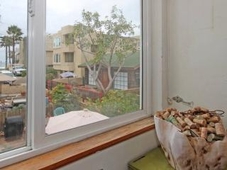 Amazing Surfscape Triplex! (SS4) - Pacific Beach vacation rentals