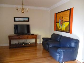 Duke's Apartment - Sultan 3 Bedroom Townhouse - Western Australia vacation rentals