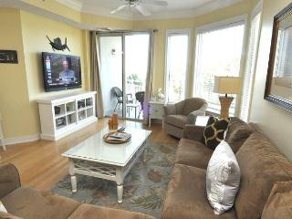 2308 SeaCrest -3rd Floor & Pretty Views. August dates still available. - Hilton Head vacation rentals