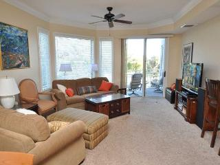 2201 SeaCrest - 1 Bedroom, 2 Full Bath and Fully Renovated. - Hilton Head vacation rentals