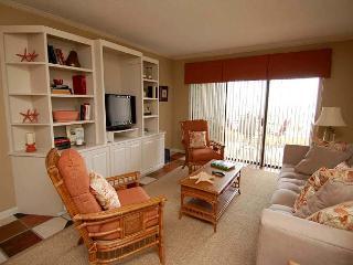 335 Shorewood- Oceanfront/3 Bedroom sleeps 6.  Can't beat the location. - Hilton Head vacation rentals