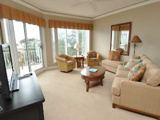 503 Windsor Place-Oceanfront & FULLY renovated. 8/1-8 week Available - Hilton Head vacation rentals