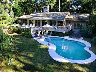 47 Mooring Buoy - Renovated 5th Row Ocean Home - 5 minutes walk to the beach. - South Carolina Island Area vacation rentals