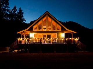 Peterson's Acres on 2 open acres, Wi-Fi, hot tub, 25 mins to town - Leavenworth vacation rentals