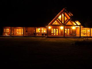 Private  8.5 acres, hot tub and much  mins to Leavenwoth - Leavenworth vacation rentals