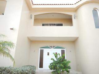 Spaciuse villa Tropicana San Miquel Aruba with Private Pool - Sierra Nevada vacation rentals