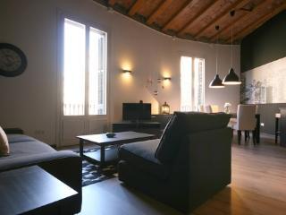 MLA 5 - Barcelona vacation rentals