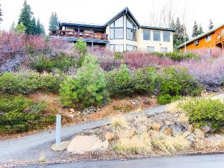 Amazing views, game room, & room for a crowd! - Truckee vacation rentals