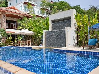 Loch Palm Villa B - Kathu vacation rentals