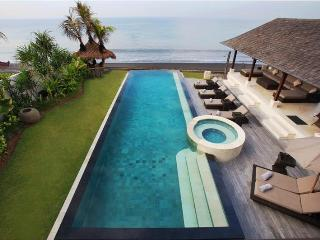Rosita, Luxury 5 Bed villa, Beachfront,Klungkung - West Nusa Tenggara vacation rentals