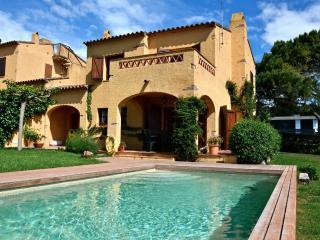 ANDORRA - 6/8 - Torroella de Montgri vacation rentals