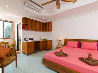 (E8228) Studio Sea View with Sofa Bed and Kitchen (2 Adults) - Patong vacation rentals