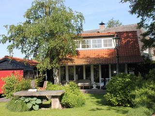 Comfortable cottage on private lake(Lake District) - Kortenhoef vacation rentals